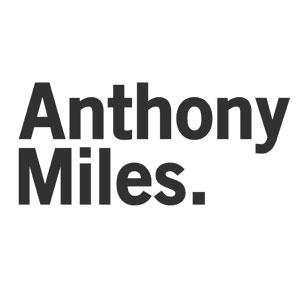 アンソニーマイルス ロゴ